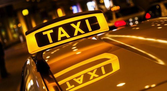 Я работаю таксистом
