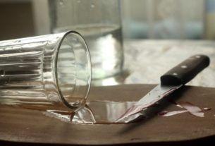 Нож в сердце другу за ящик заводской водки