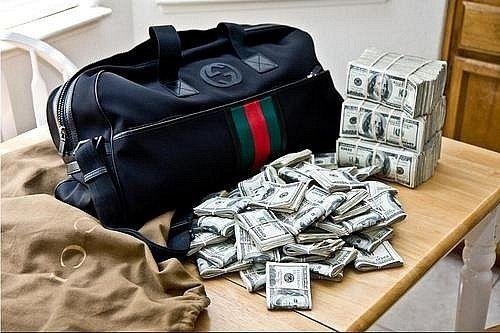 Случайная находка с деньгами в которую трудно поверить.