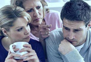 Теща постоянно лезет в нашу семью и настраивает супругу против меня