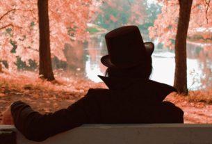 Мужчина в черном